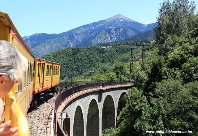 train, pyrénées, catalogne, jaune, montagne, ponts, altitude, panorama
